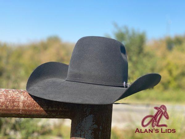 e55cd9ac6050eb0debc0a30a42c63b8c2442a738 25 <ul> <li>Hat Quality: 10X</li> <li>10% Beaver 90% Hare Fur Felt</li> <li>Made in Italy</li> <li>Leather Sweatband</li> <li>100% Silk Liner</li> <li>Waterproof</li> </ul>